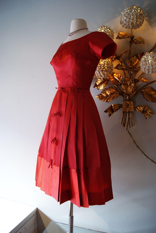 1950s Red Dress Vintage Dress Xtabayvintage Com Vintage Short Dress 1950 Vintage Dresses Vintage Outfits [ 2896 x 1936 Pixel ]