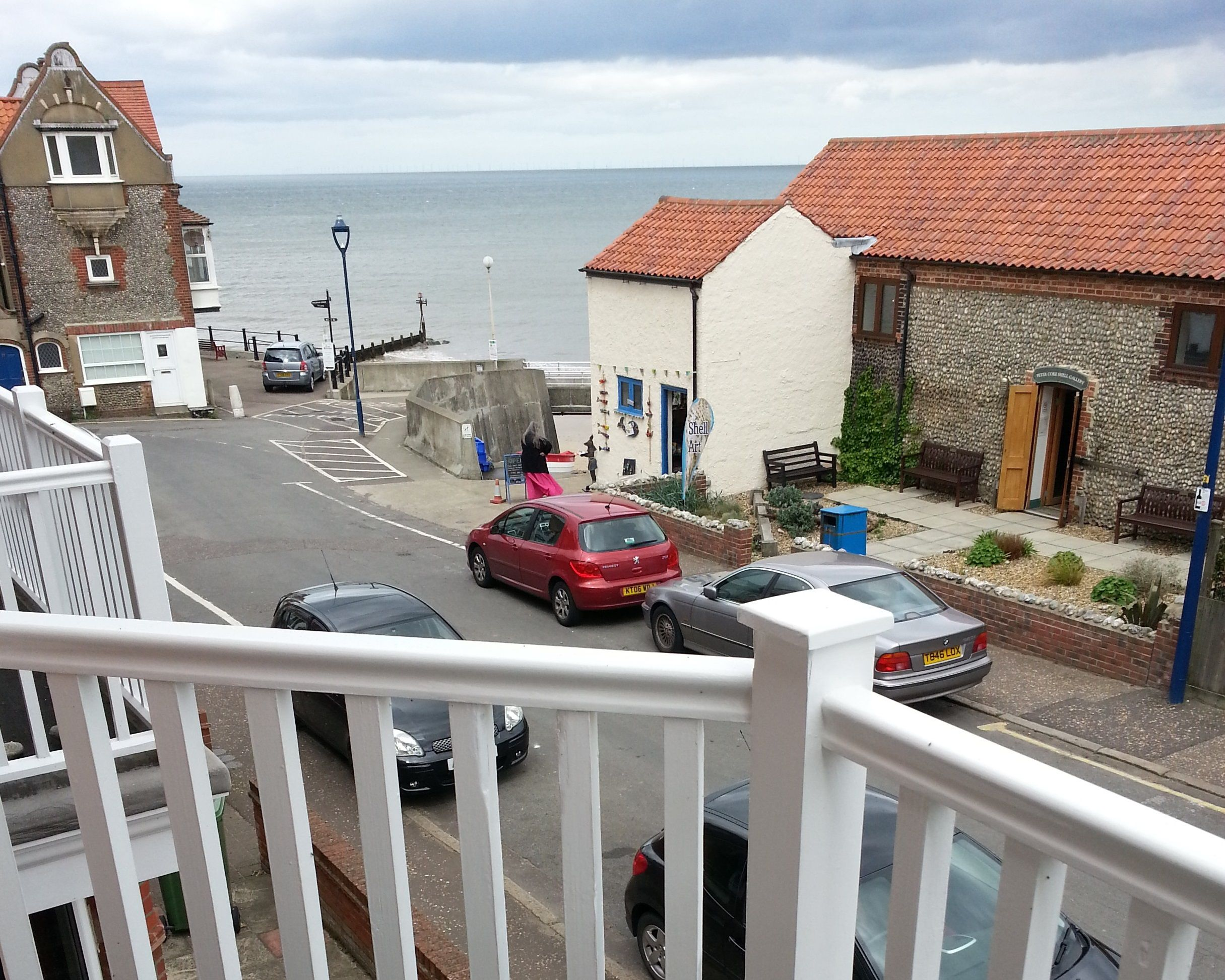 CANCELLATION 12th-19th August 2017 Do you want to be beside the seaside this summer? If yes then Sandrock House is the property for you! - 3 storeys of spacious living, with wonderful seaviews and a balcony from which to watch the world go by! Visit http://www.keysholidays.co.uk/search-properties/view/385820 for more information or call 01263 823010 #keysholidays #selfcatering #holidays @keys.holidays