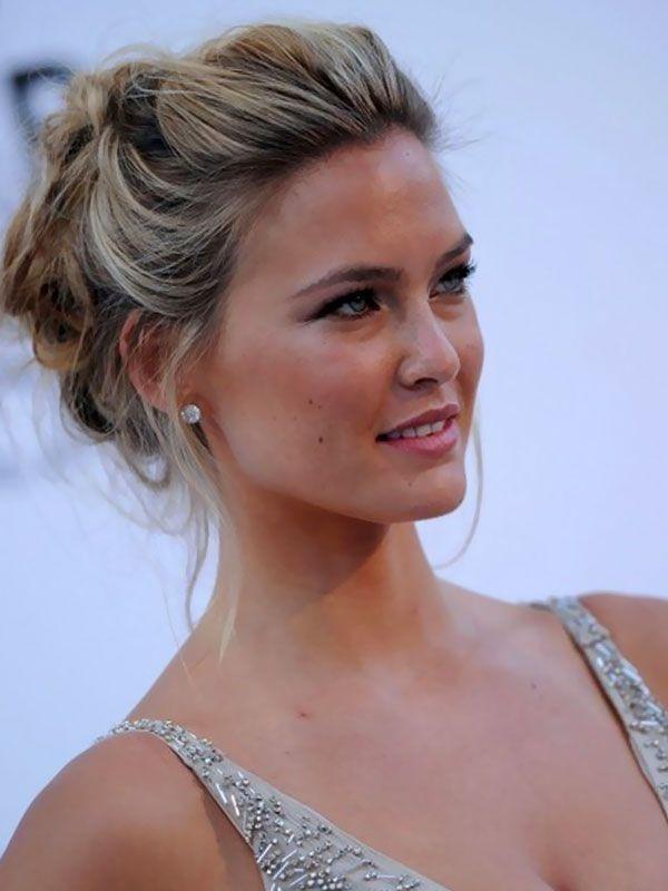 Celebrities Updos Hairstyles Pictures Gallery Updos For Medium Length Hair Peinado Casual Cabello Corto Peinados Peinado Y Maquillaje