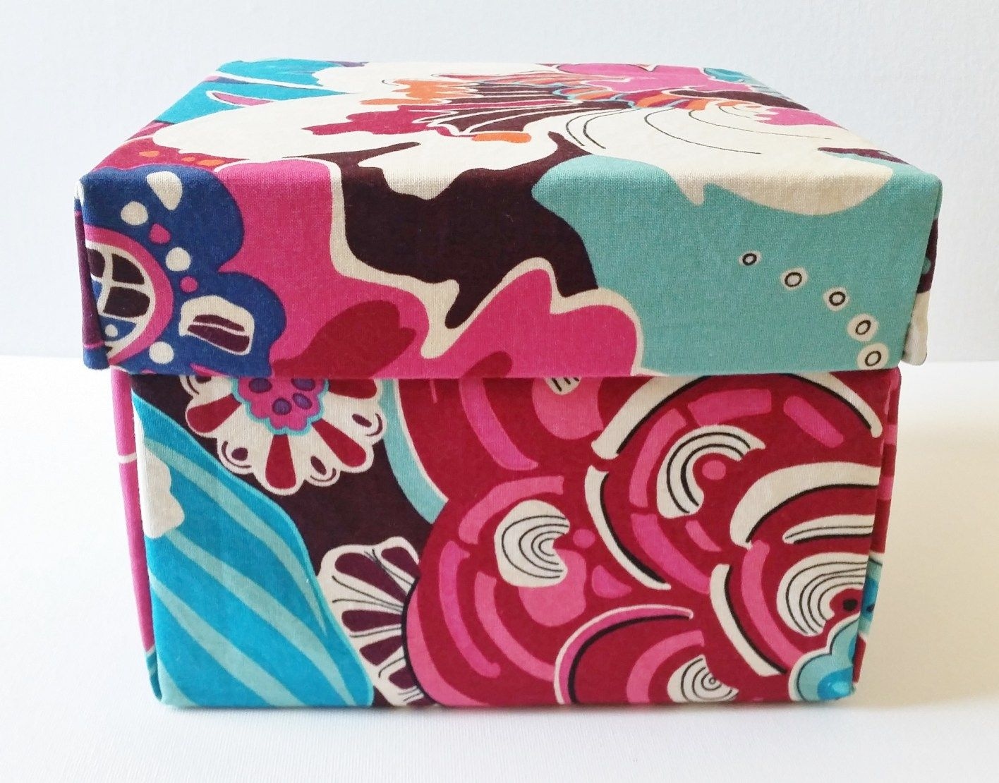 DIY Fabric Box With Lid Tutorial in 2020 Fabric boxes