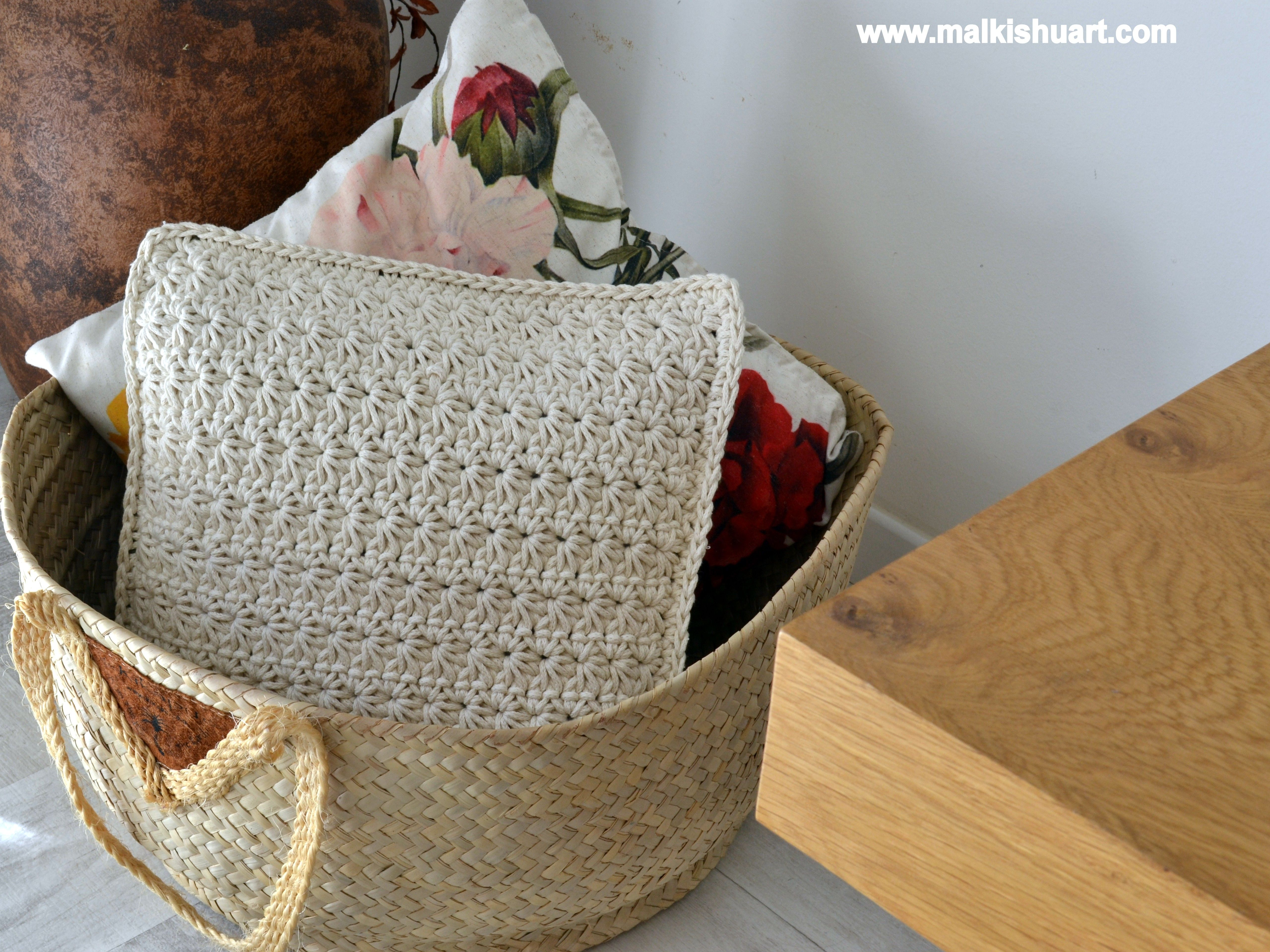 Star stitch pillow that I made from PHIL CORDE cotton yarn ...