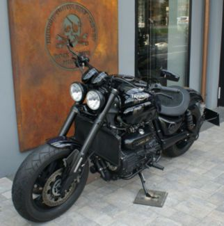 Triumph Rocket Iii Roadster Roll On Epic Cruisers Triumph