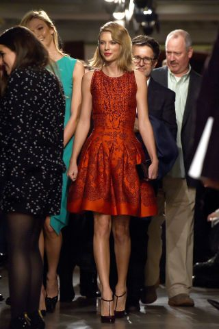 Taylor Swift arrives at the Oscar De La Renta fashion on Feb. 17, 2015, in New York City.