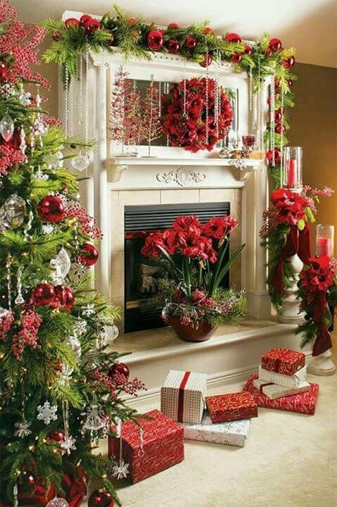 Christmastime mantle Décoration de Noël Pinterest Mantle
