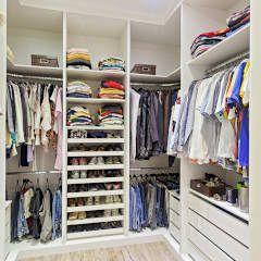 Vestidores y closets de estilo moderno por Laura Santos Design