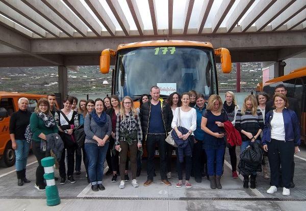 Un Grupo De Veinte Agentes De Viajes Del Turoperador Suizo Hotelplan Han Llegado Hoy A La Palma Para Conocer De Primera Man Viajes Isla De La Palma Isla Bonita