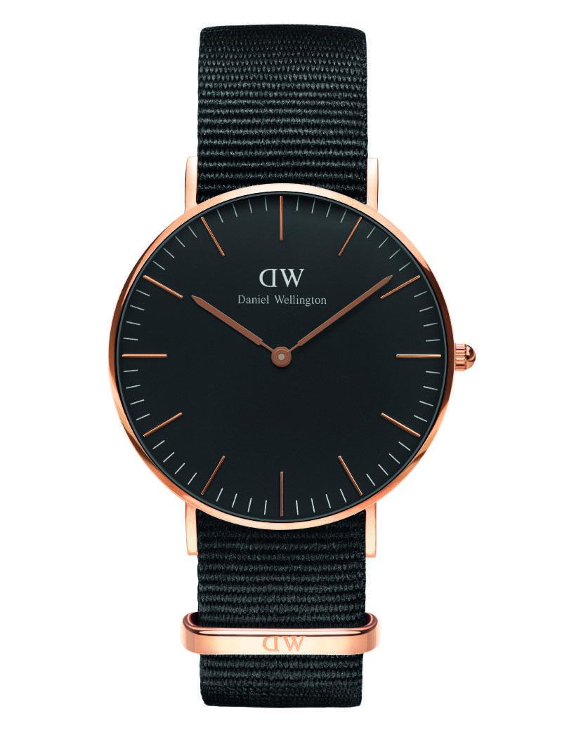 685b815c939 Ditur.dk forhandler et stort udvalg af ure til kvinder - eksempelvis flotte Daniel  Wellington. Find Daniel Wellington Cornwall black rose 36 mm.