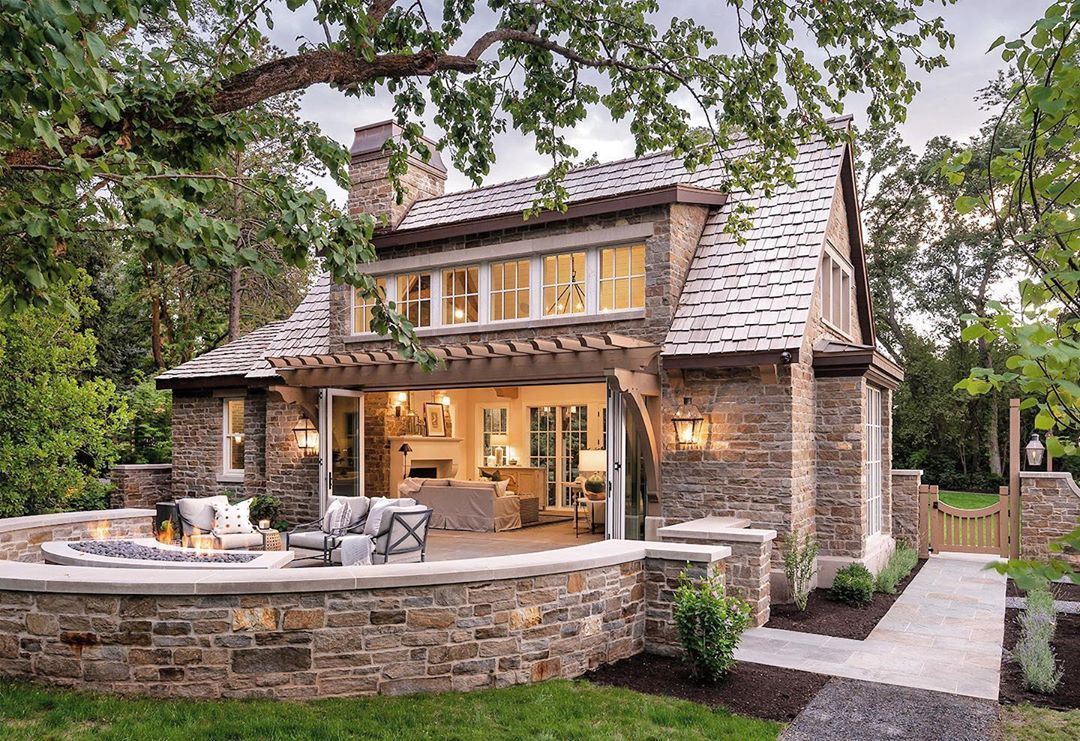 "Alice Lane Interior Design on Instagram: ""The ultimate summer evening set up. The Graden Cottage has the best indoor/outdoor living space 🥂#gardencottage Landscape architect:…"""
