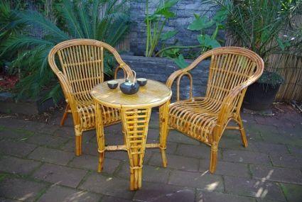 Patio Setting in Golden Oak