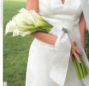 This Long Stemmed Calla Lily Arm Sheaf Bouquet Is Stunning