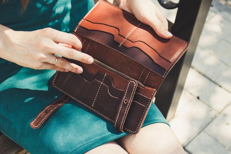 Long leather wallet, Unique wallet, Vintage wallet, Leather wallet women's, Slim wallet women, Slim leather wallet, Thin leather wallet #leatherwallets