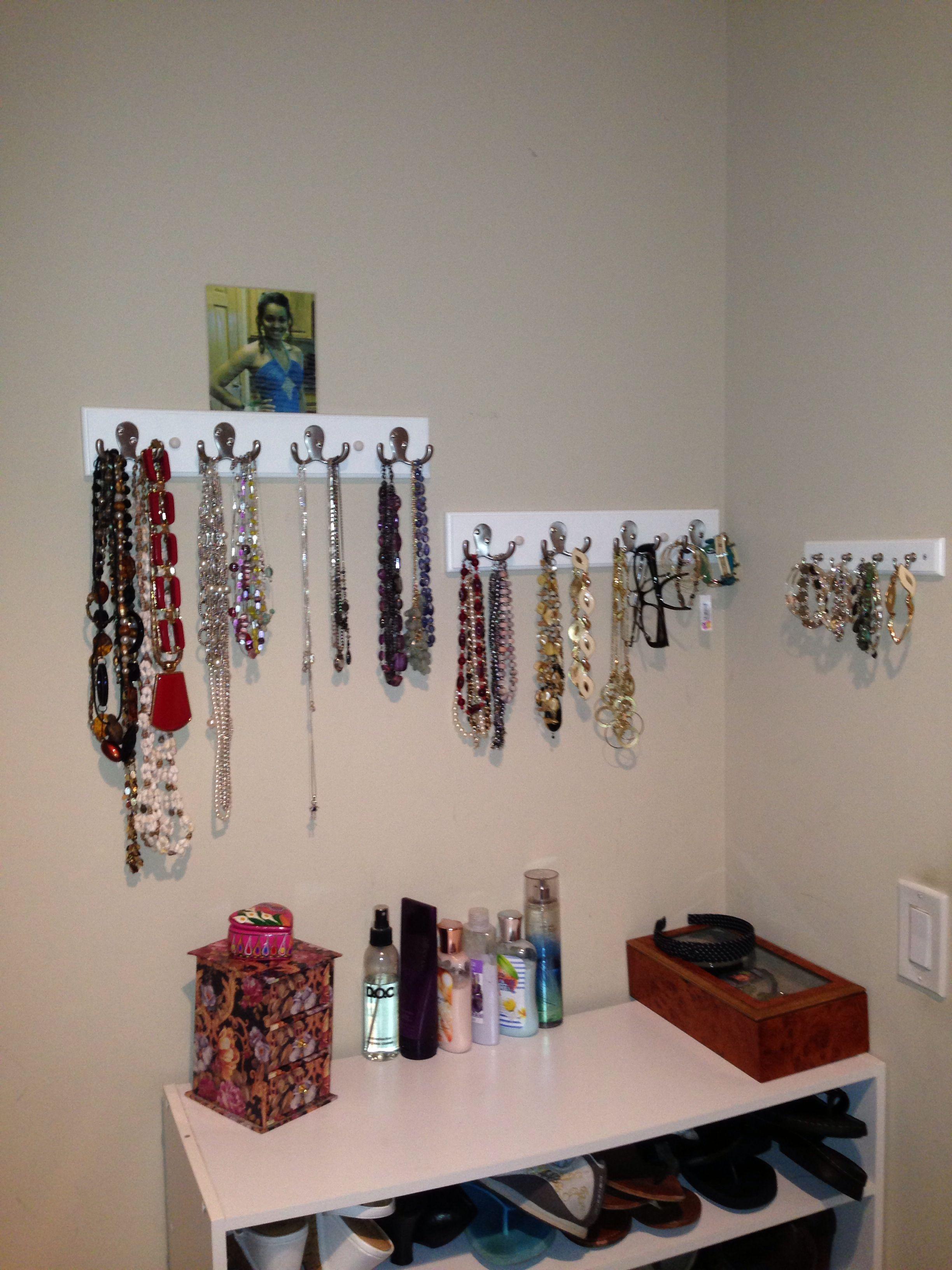 DIY jewelry organizer   Creative closets, Jewelry ...