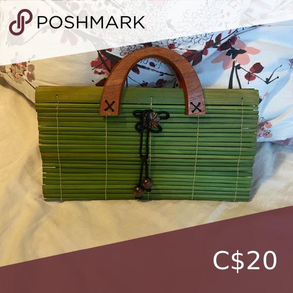 💕2/$20💕 Wooden handbag