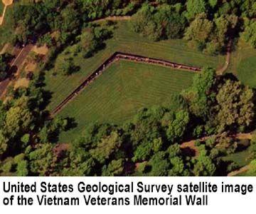 Maya Lin S Vietnam Veterans Memorial Wall Design Vietnam Veterans Memorial Vietnam Veterans Veterans Memorial