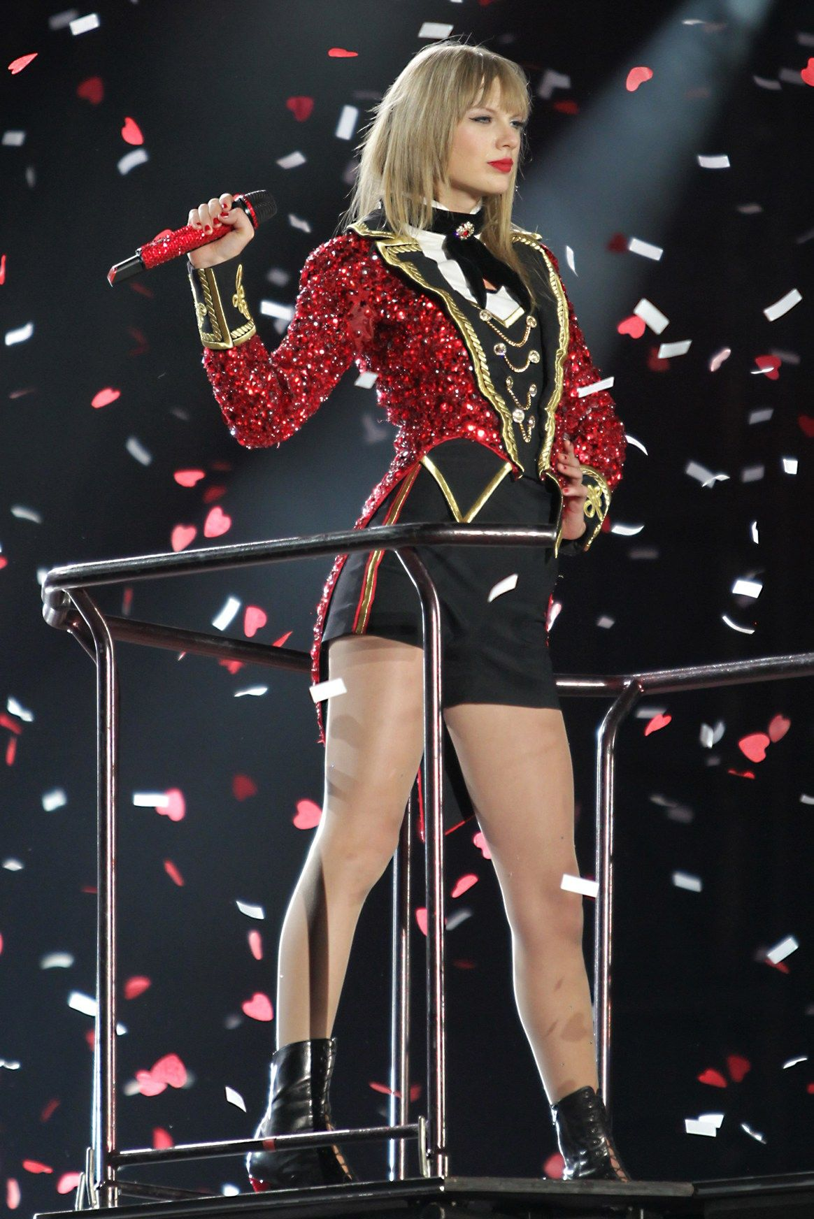 Taylor Swift Red Tour One Of The Most Fun Concerts I Ve Been To