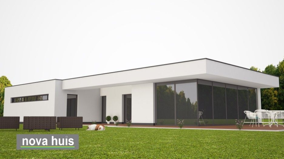 Moderne onderhoudsarme bungalow met plat dak en overdekt terras