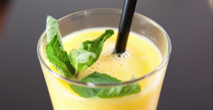 10 bebidas refrescantes contra el calor ➽ http://www.cocina.es/2013/07/18/10-bebidas-refrescantes-para-el-verano/
