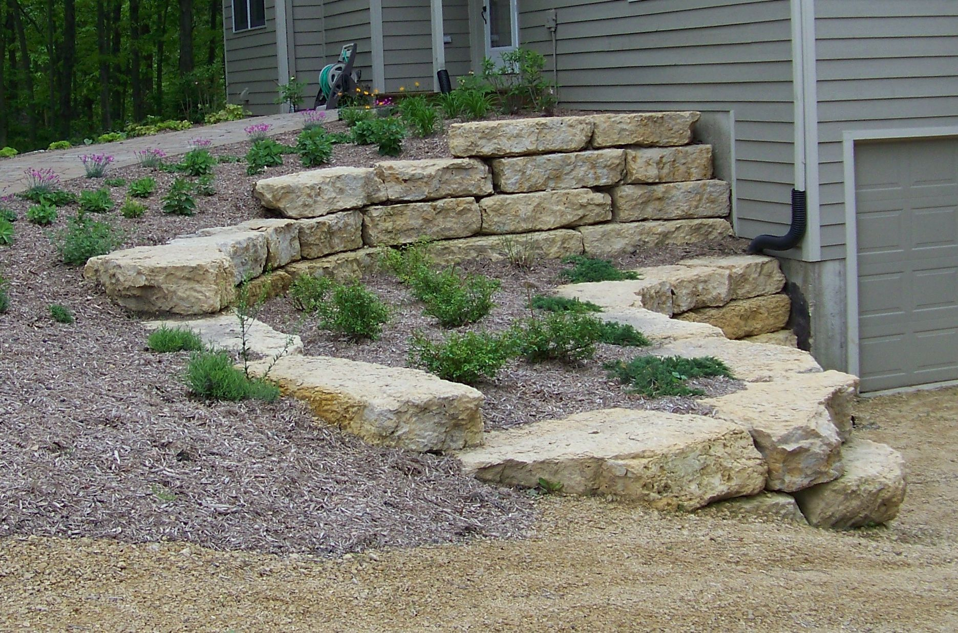 Natural Outcropping Stone Wall Stone Landscaping Front Garden Landscape Natural Stone Retaining Wall