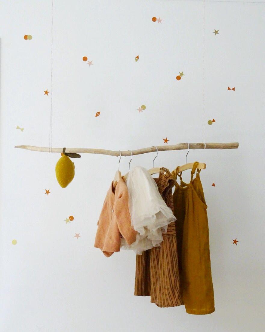 Bibelotte Muurstickers Confetti. #diy #kapstok #kinderkamer #kinderkamerinspiratie #babykamer #muurstickers #meisjeskamer #kleurinspiratie #wonenmetbibelotte