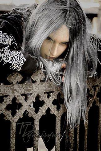 Sephiroth An Empty Soul By Td Yukiryuu On Deviantart Long Hair Styles Boys Long Hairstyles Hair Styles