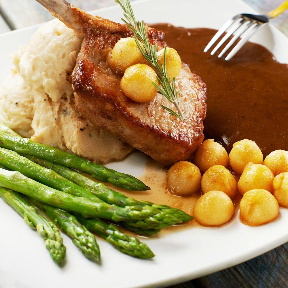 Pork Chop & Asparagus