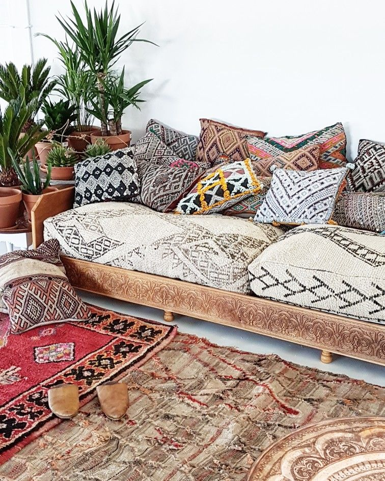 Boho vibes www.elramlahamra.nl Create a perfect lounge corner with the XXL doubl...