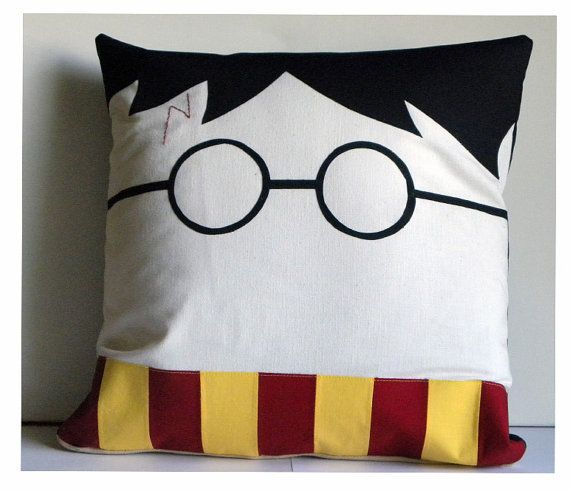 harry potter pillow cover by soverysweet on etsy harry potter party pinterest. Black Bedroom Furniture Sets. Home Design Ideas