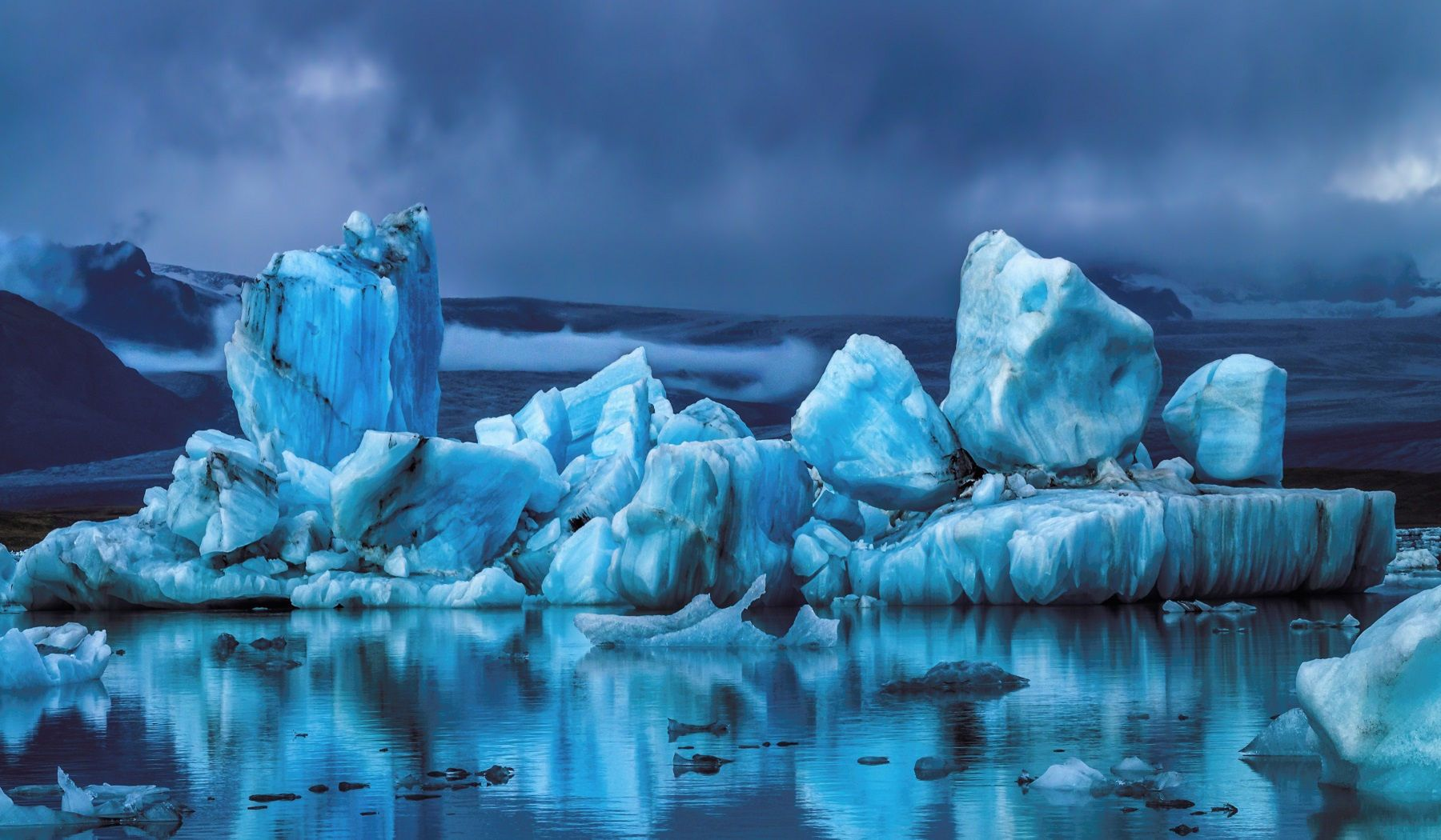 ***Glacial reflections (Iceland) by Daniel Herr on 500px