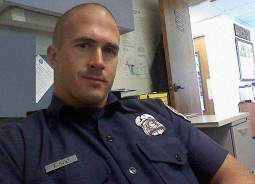 As 25 melhores ideias de Hot cops no Pinterest | Hot men ...