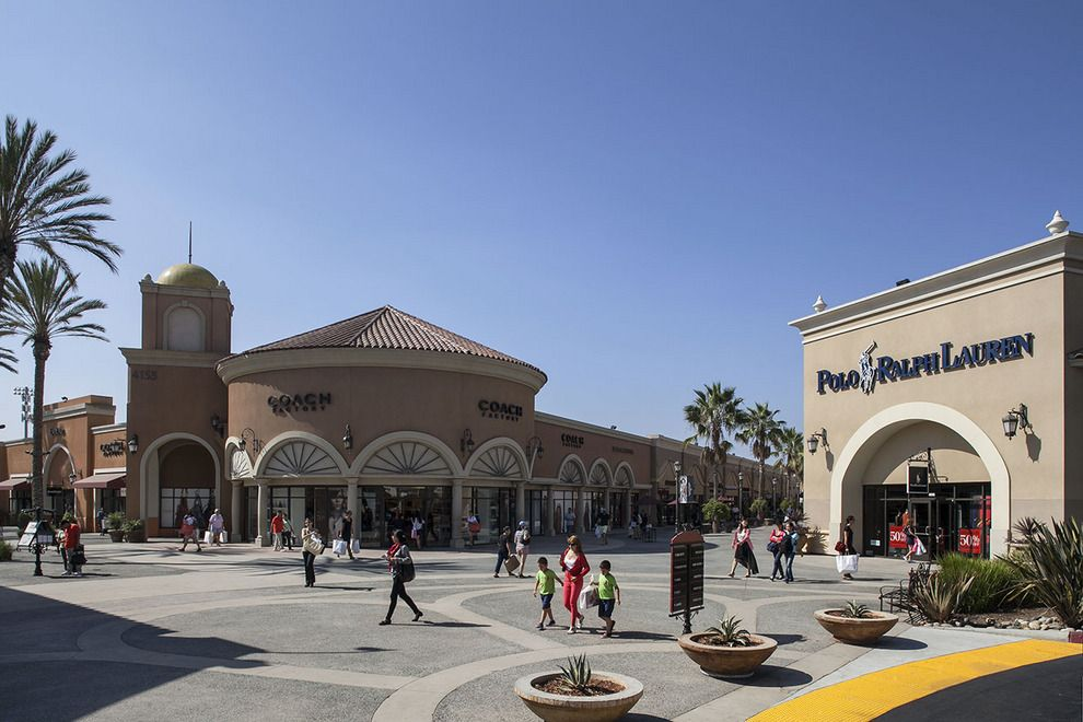 78dce4615e2 10 Best  5 Reasons to Shop at Las Americas Premium Outlets