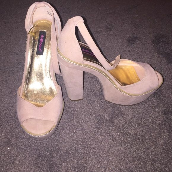Dollhouse Platform Heels Never Worn Never worn, without box, faux suede platform heels in a blush/nude color. Size 6, runs large Dollhouse Shoes Platforms
