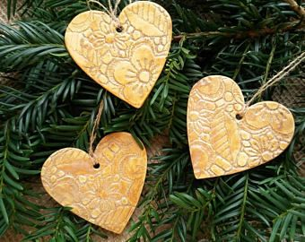Weihnachtsbaum Deko, Tannenbaum Schmuck, Keramik Herzen, Weihnachtsdekoration, goldene Herzen, Keramik Anhänger, handgemacht Schmuck,