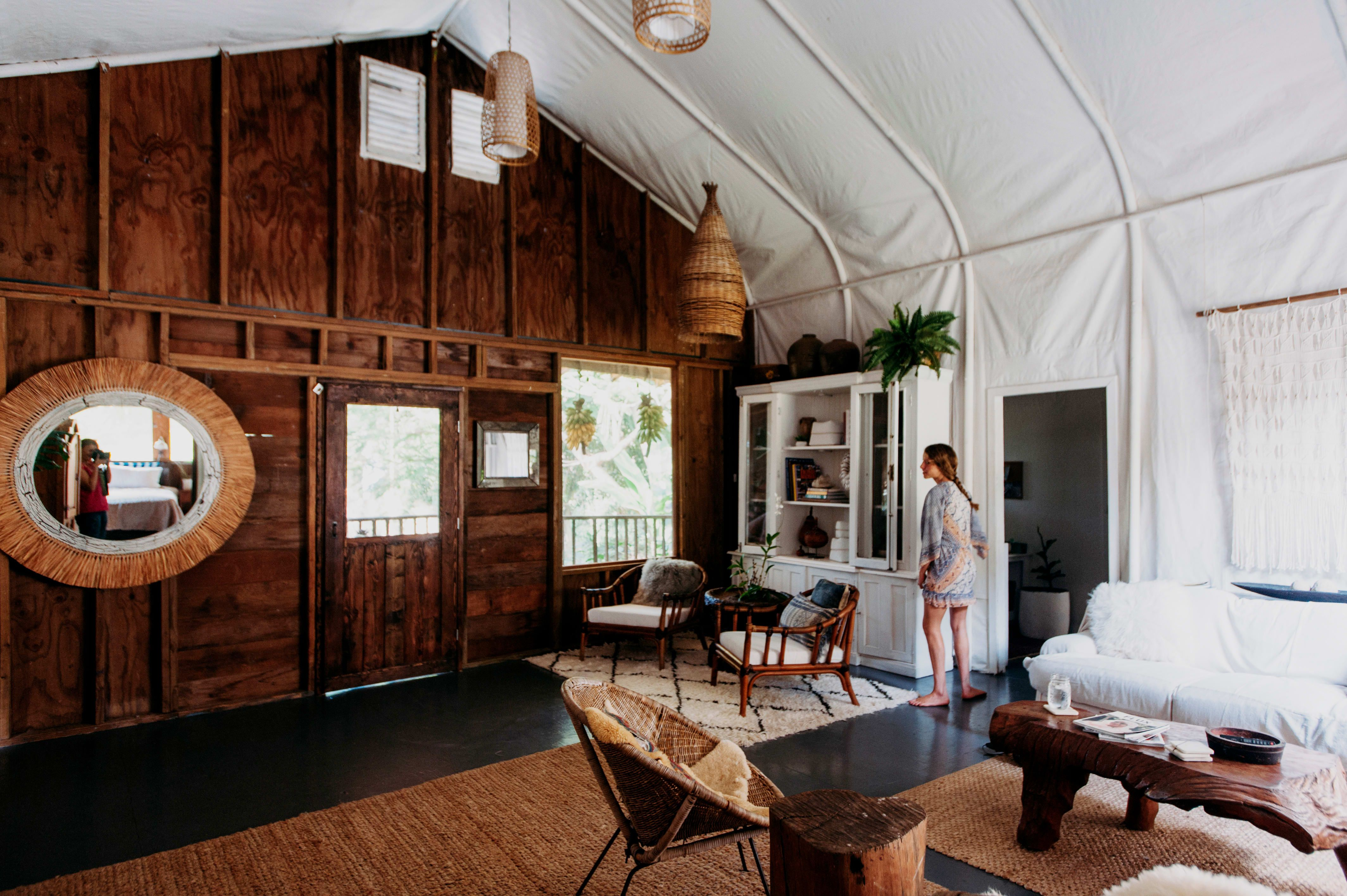"A ""Rough Luxe"" Organic Farm & Homestead on Hawaii's Big ..."