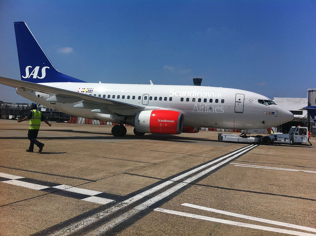 Boeing 737 683 Ln Rrp Vilborg Viking Sas Scandinavian Airlines At London Heathrow Airport Boeing Boeing 737 Fleet