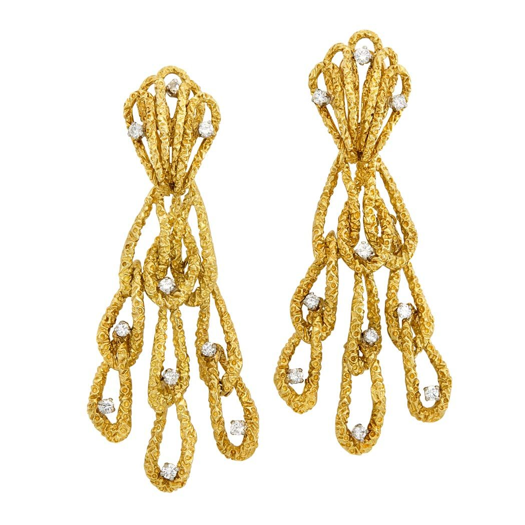 Pair of nugget gold and diamond pendantearrings kt round