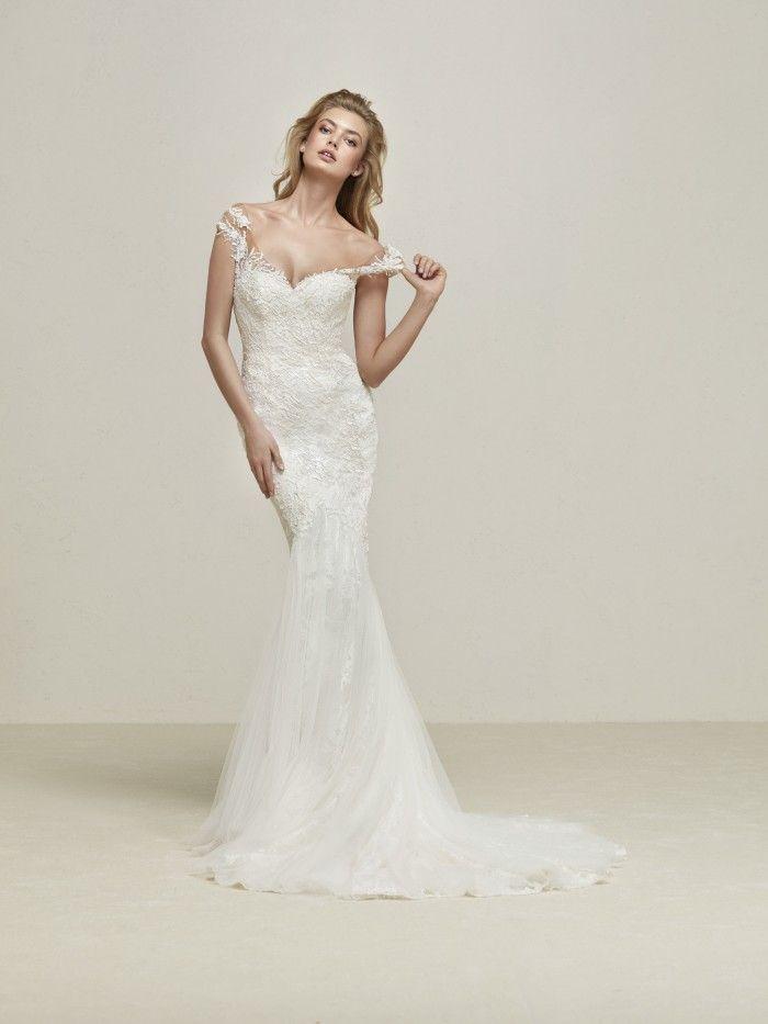 Pronovias drina best designer wedding dresses jaehee for Custom wedding dress dallas