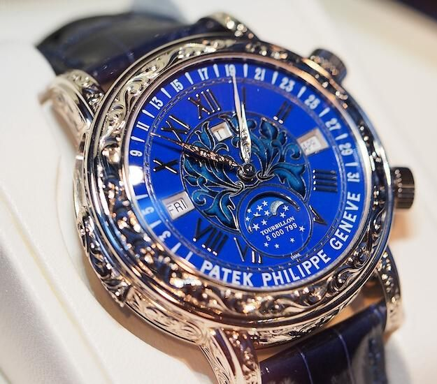 Replica patek philippe sky moon tourbillon 6002g review watch game pinterest patek philippe for Patek philippe tourbillon