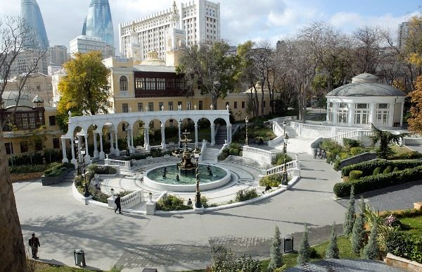 Philharmonic Garden In Azerbaijan Outdoortheme Com Outdoor Design Azerbaijan Travel Azerbaijan