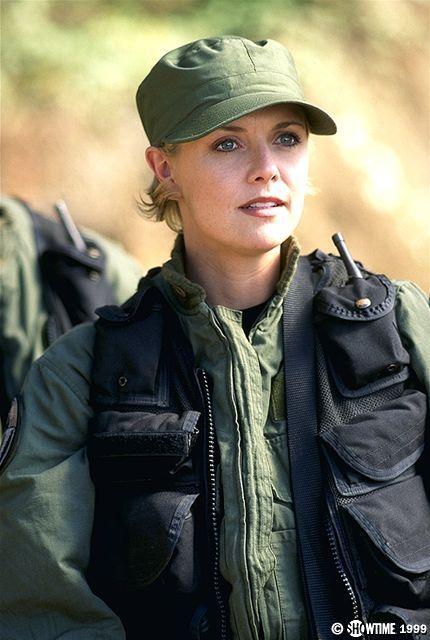Amanda Tapping Fakes Samantha Carter Stargate