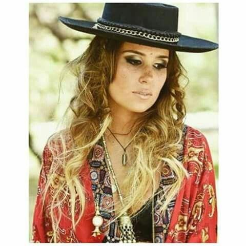 pelo y makeup para Malas Compañías #hippie #bohostyle #hippiechic #hair #hairstyle #makeup #pelo #peinado #maquillaje #winter