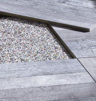 Carrelage exterieur effet parquet gris sur gravier - Chape pour carrelage exterieur ...
