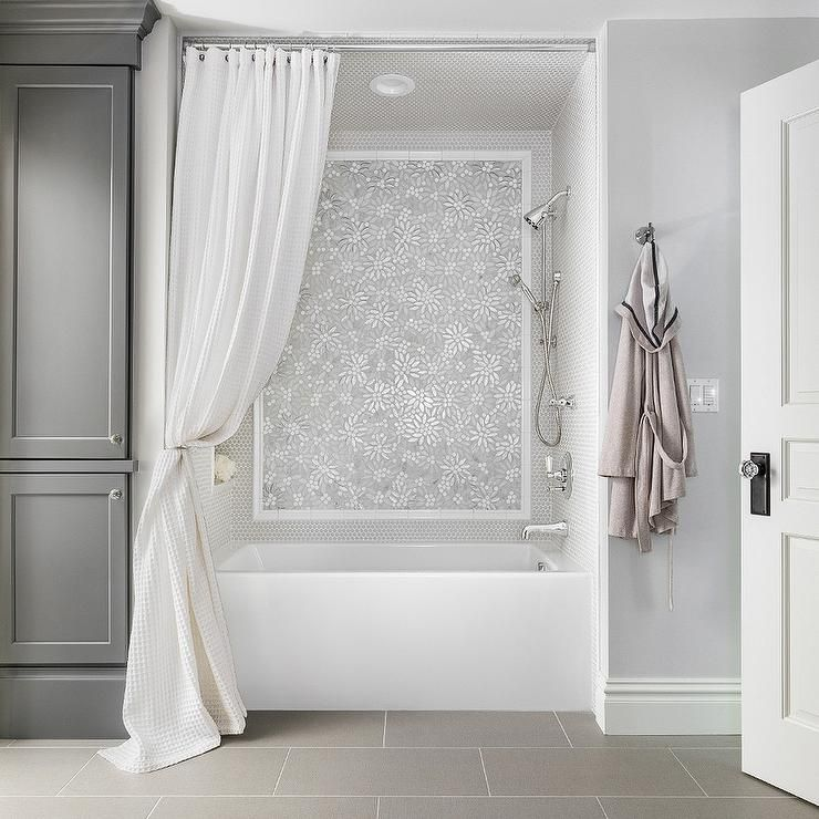Grey Wood Accent Wall Bathroom With Niche: White And Gray Bathroom Design Features A Floral Mosaic