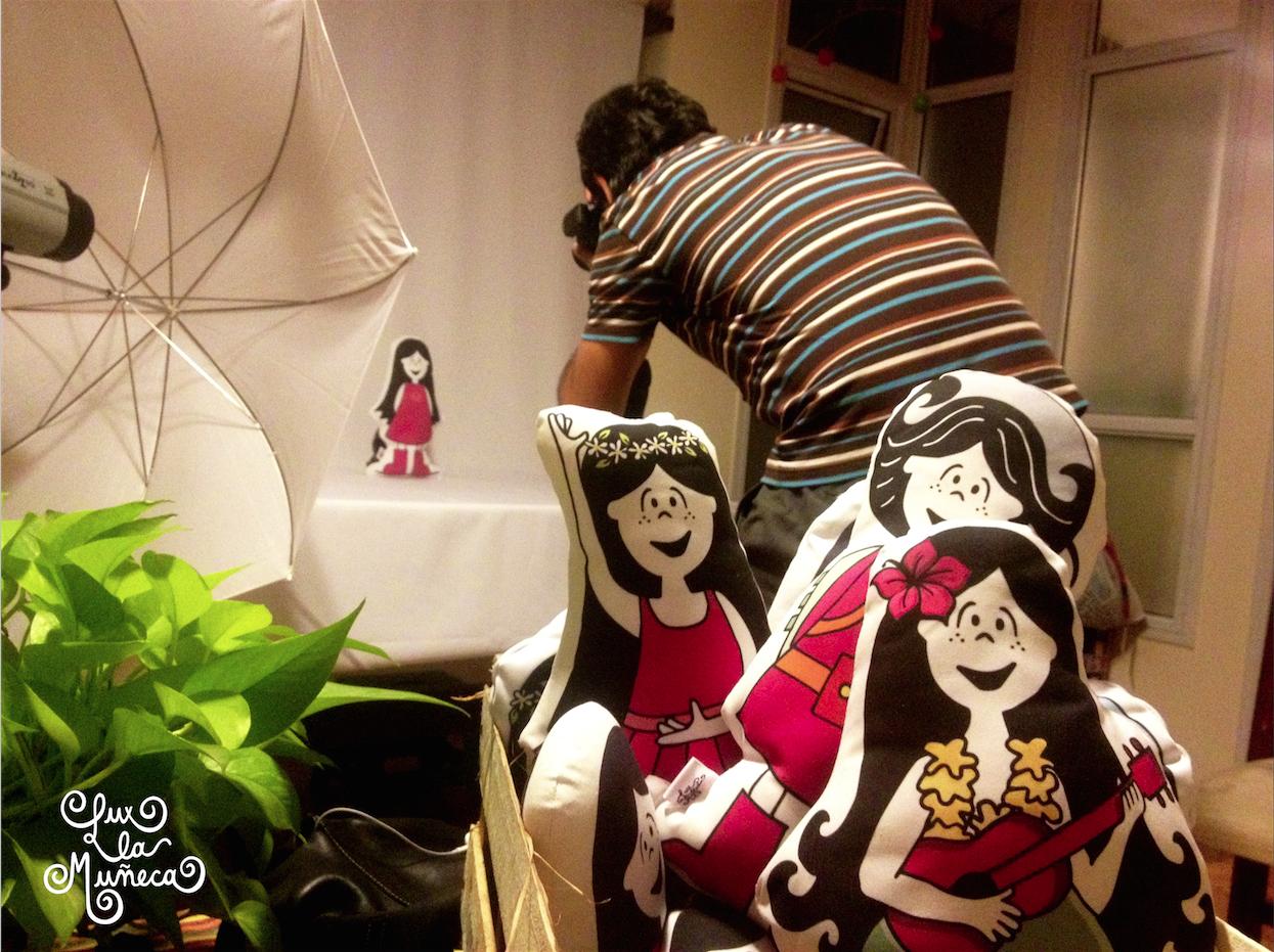 #lux la #muñeca llego a #tucuman en #parapente.  ver mas en : www.lucreciaaraoz.com #pink #argentina #ilustracion