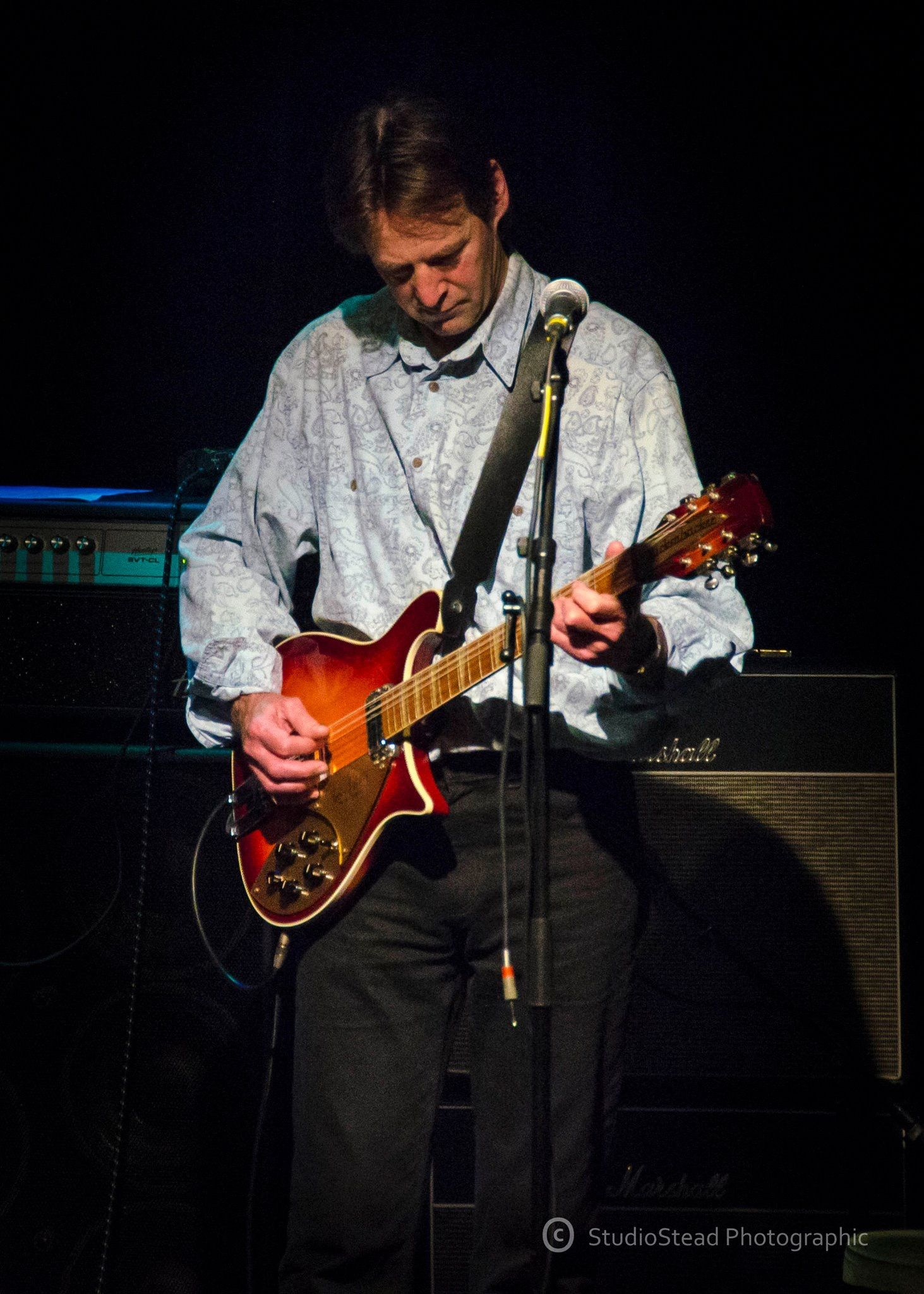 Dave Gregory - brilliant guitarist formerly XTC and currently with Tin  Spirits and Big Big Train