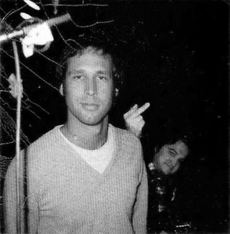 i had a huge crush on chevy chase but this picture makes me fall in love with belushi