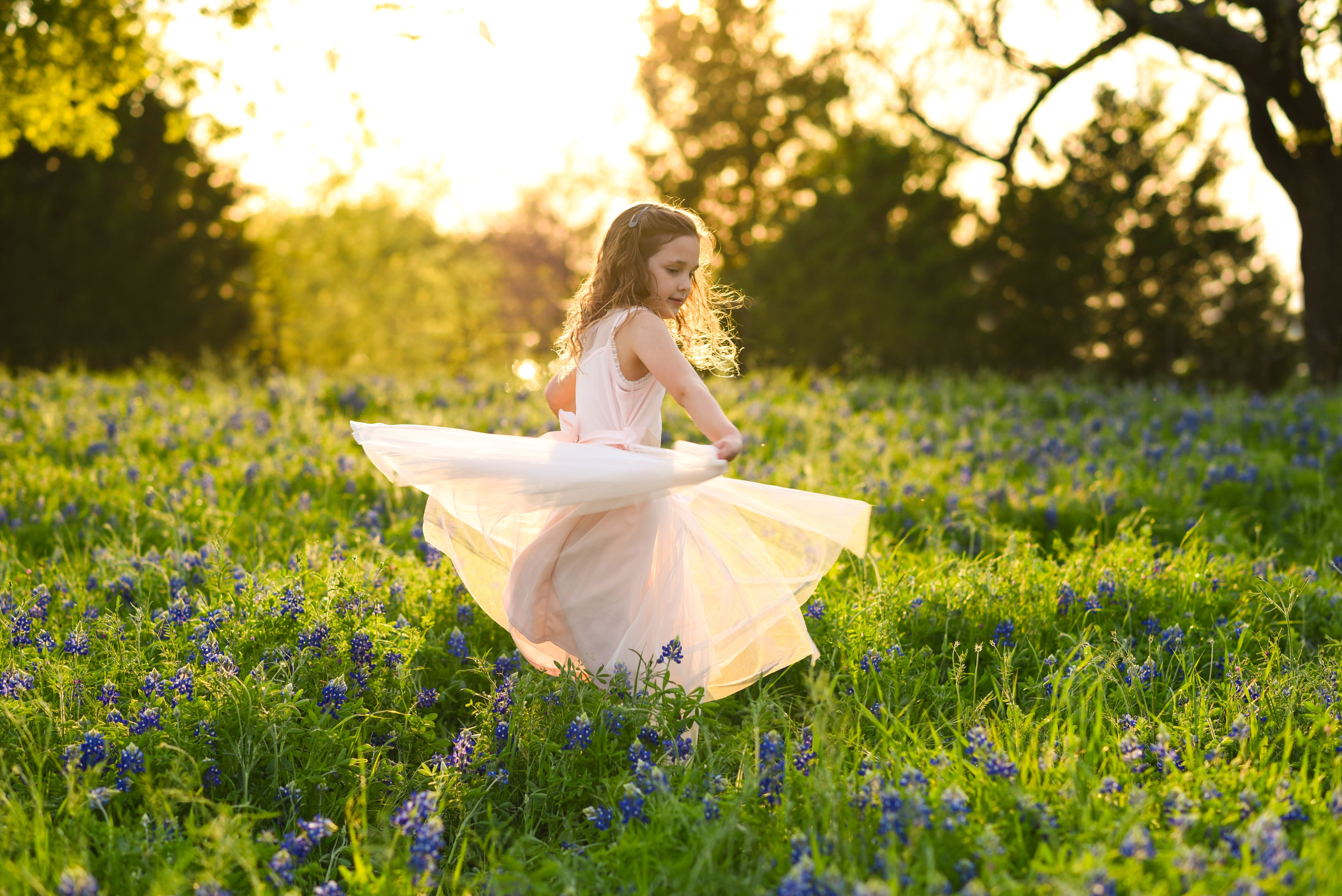 Texas Bluebonnet Session In Rockwall Texas With Alicia Wilson Photography In 2020 Lifestyle Newborn Photography Natural Light Photographer Mini Sessions