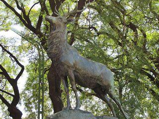 Esculturas de Ciervos de Próspero Le Courtier