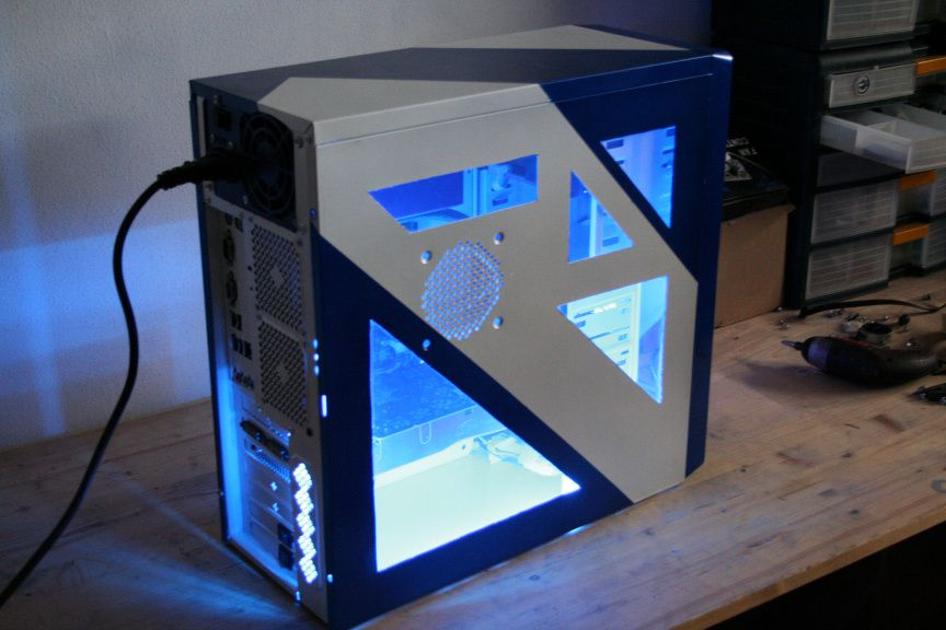 A tutorial project explaining step by step on how to modify your own pc, commisioned by Lamptron.
