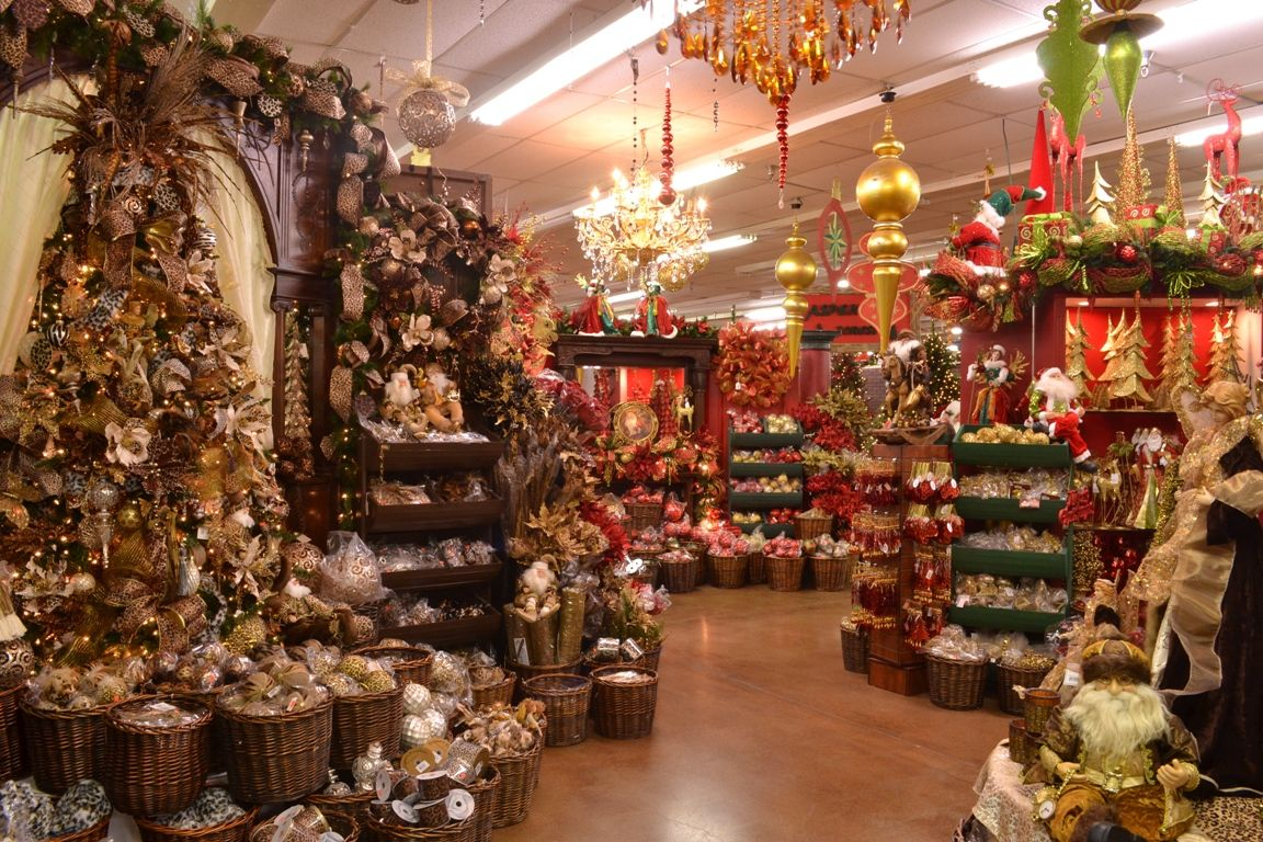 Decorator S Warehouse Arlington Tx 60 000 Sq Ft Of Christmas Our Southern Home Favorite Christmas Store Christmas Store Storing Christmas Decorations Decor