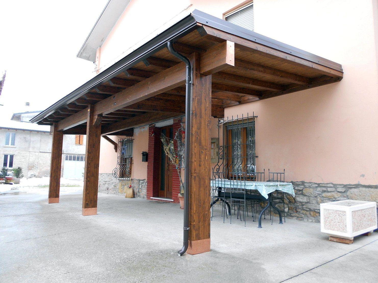 Coprire Terrazzo Con Veranda porticato in legno, porticati con colonne su misura e senza